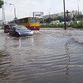 Warszawa ul. Orzycka po deszczu #Warszawa #widok #deszcz #ulewa