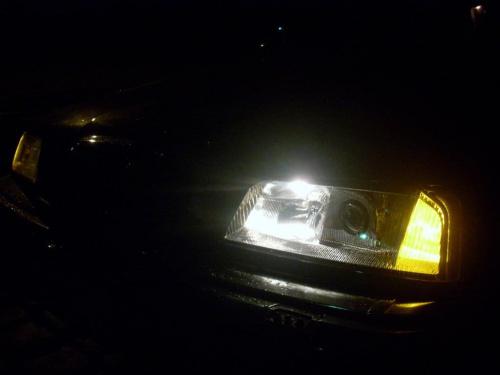 Nocny postój. #samochód #nocą #światła #AlfaRomeo #Alfa164