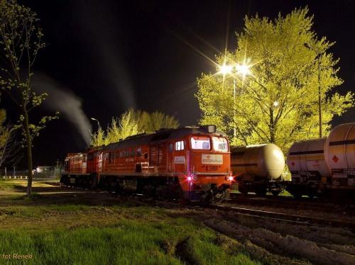 Warszawa Okęcie | Bocznica Petrolot-u M62-1703 Orlen KolTrans w towarzystwie tamary oczekują z załączonymi agregatami na rozładunek paliwa. #M62 #gagarin #Orlen #koltrans #Petrolot #bocznica #warszawa #OkęcieDiesel #towarowy #lokomotywa #kolej