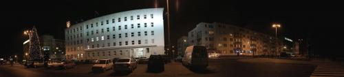 urząd miasta w Gdynia i fragment ulicy Piłsudzkiego do niego przyległej #GdyniaMl2200