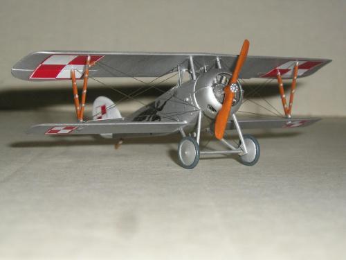 Nieuport Ni-24 pilot Lt.A.Jurkiewicz Poland 1919 - Roden 1/72 3a2b64d1049aa142med