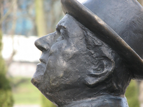 profil Pawlaka #pawlak #pomnik #toruń #thorn