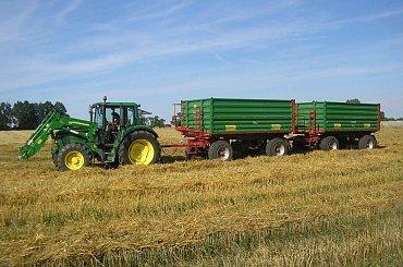 Ciągniki i maszyny rolnicze w obiektywie